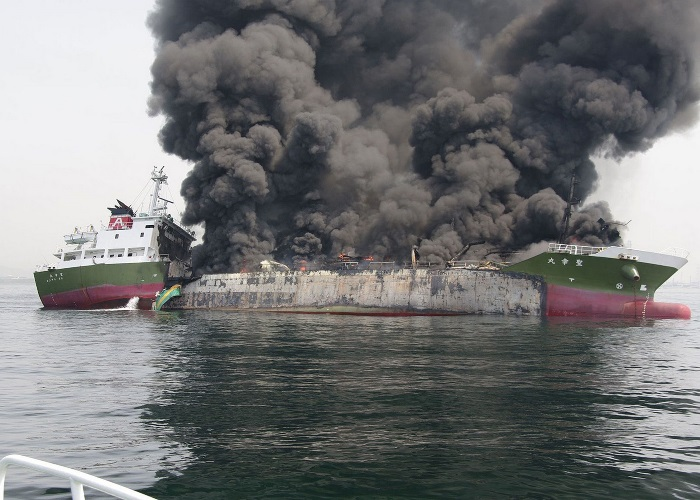 Oil-tanker-explosion-in-Japan