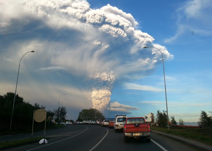 Chile's Calbuco Volcano causing Airline Problems