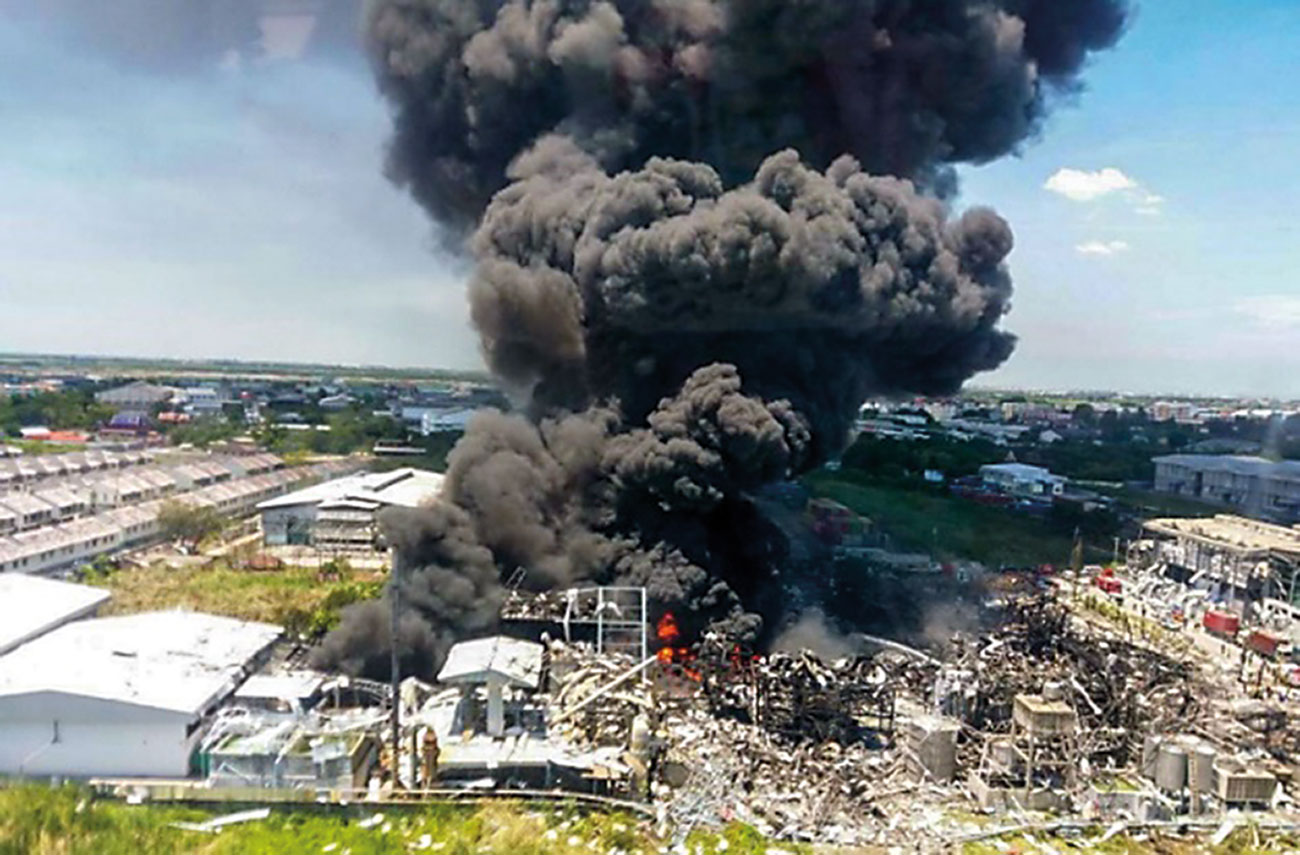 A chemical explosion and fire destroyed the Ming Dih factory in Samut Prakan on the Outskirts of the Thai capital.